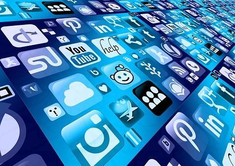 social-media-icons-on-phone